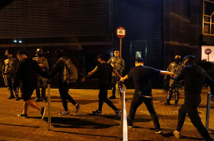 Hồng Kông: Cuộc giằng co ở Trường ĐH Bách Khoa sắp đến hồi kết - Ảnh 3.