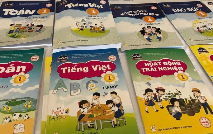 Bộ GD-ĐT chính thức công bố sách giáo khoa lớp 1 - Ảnh 2.