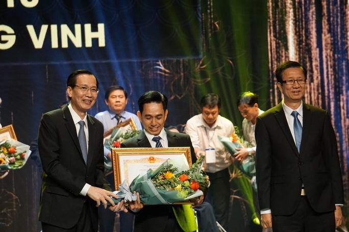 77 nghệ sĩ được TP HCM thưởng thêm trong lễ vinh danh - Ảnh 20.