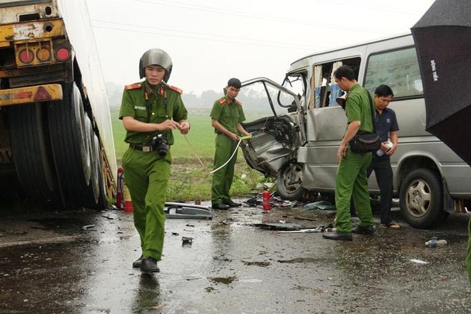 Vụ tai nạn thảm khốc 3 người chết ở Quảng Ngãi: Phụ xe container dương tính ma túy - Ảnh 2.