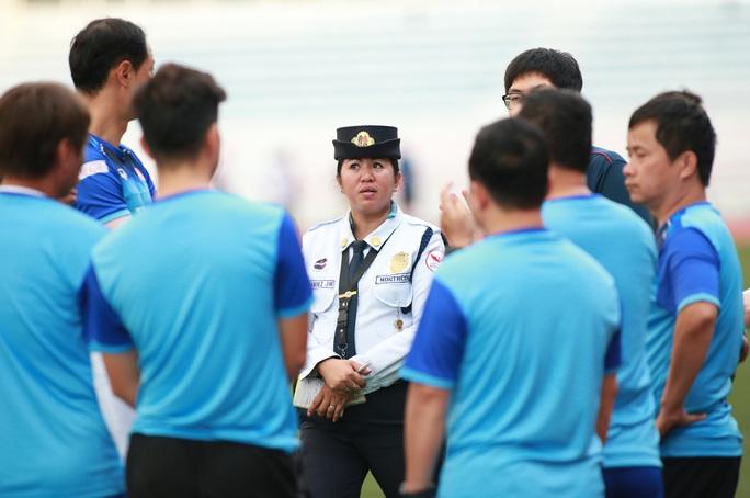 U22 Thái Lan hủy tập, Indonesia than trời vì tắc đường, Việt Nam đổi khách sạn trước trận gặp Brunei - Ảnh 1.
