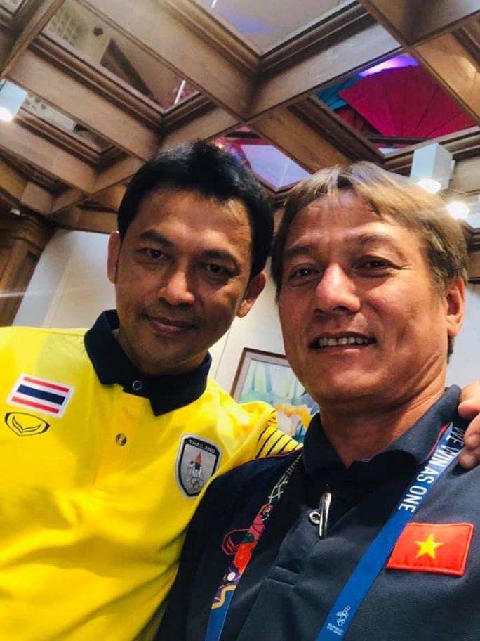 Đến SEA Games, các trợ lí thầy Park bồi hồi gặp lại sao Thái Lan, Indonesia - Ảnh 3.