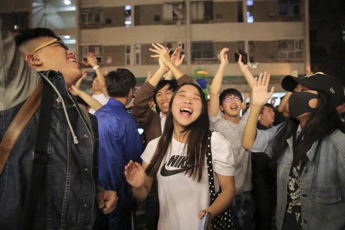 Kết quả bầu cử Hồng Kông đẩy Trung Quốc vào thế khó - Ảnh 3.