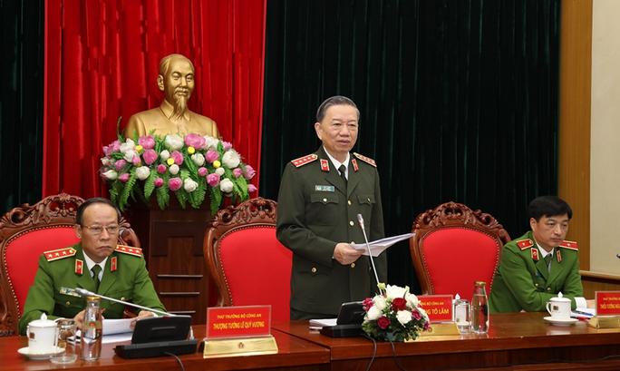 Bộ trưởng Tô Lâm chỉ đạo làm rõ phản ánh về việc CSGT can thiệp xử lý xe quá trọng tải tại Đồng Nai - Ảnh 1.