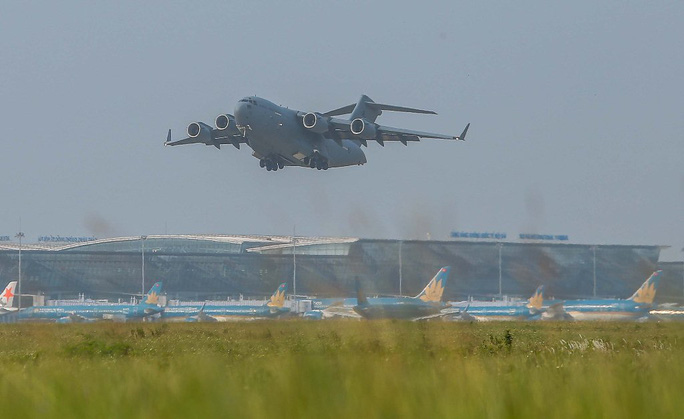 Cận cảnh ngựa thồ C-17 đưa bệnh viện dã chiến sang Nam Sudan làm nhiệm vụ gìn giữ hòa bình - Ảnh 18.