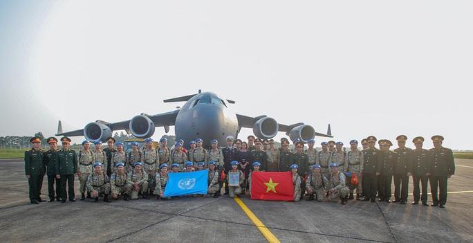 Cận cảnh ngựa thồ C-17 đưa bệnh viện dã chiến sang Nam Sudan làm nhiệm vụ gìn giữ hòa bình - Ảnh 1.