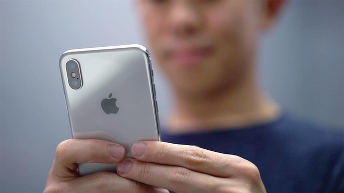 iPhone X hàng bãi giá hơn 9 triệu đồng ồ ạt về Việt Nam - Ảnh 2.