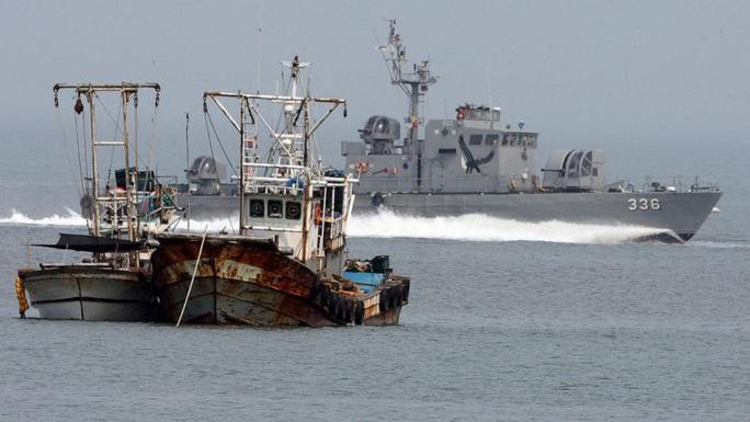 """Hàn Quốc bắn cảnh cáo tàu Triều Tiên """"xâm phạm lãnh hải"""" - Ảnh 1."""