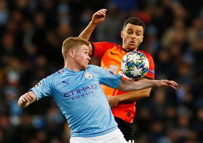 Man City lập chuỗi bất bại vòng bảng Champions League khi cầm hòa Shakhtar Donetsk - Ảnh 4.