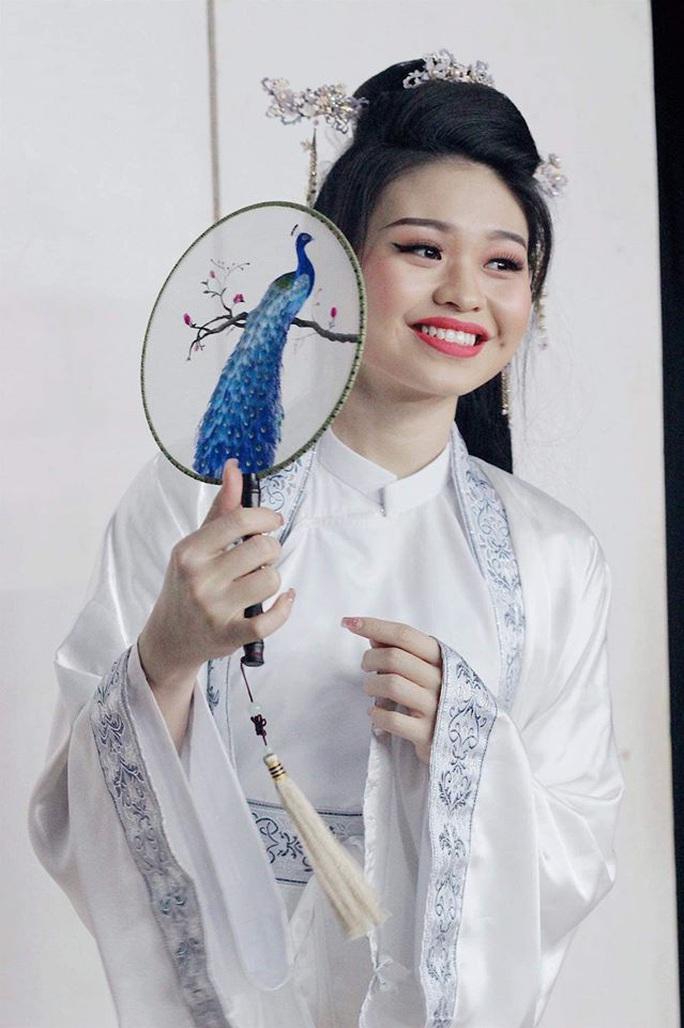 NSND Hồng Vân thử nghiệm Ngẫm Kiều, Ốc Thanh Vân hóa Tú Bà - Ảnh 5.