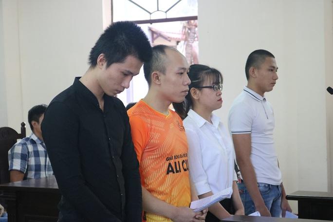 Đông đảo người dân đến phiên xử Alibaba làm liều ở Bà Rịa - Vũng Tàu - Ảnh 2.
