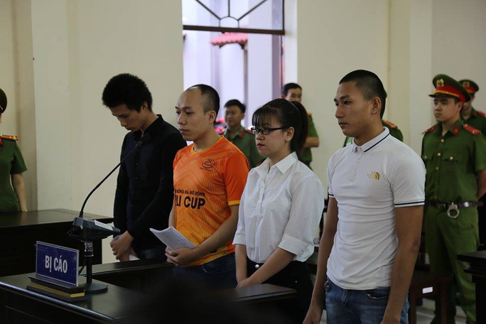 Xét xử 4 nhân viên Alibaba gây rối: Nguyễn Huỳnh Tú Trinh lãnh 4 năm 6 tháng tù - Ảnh 1.