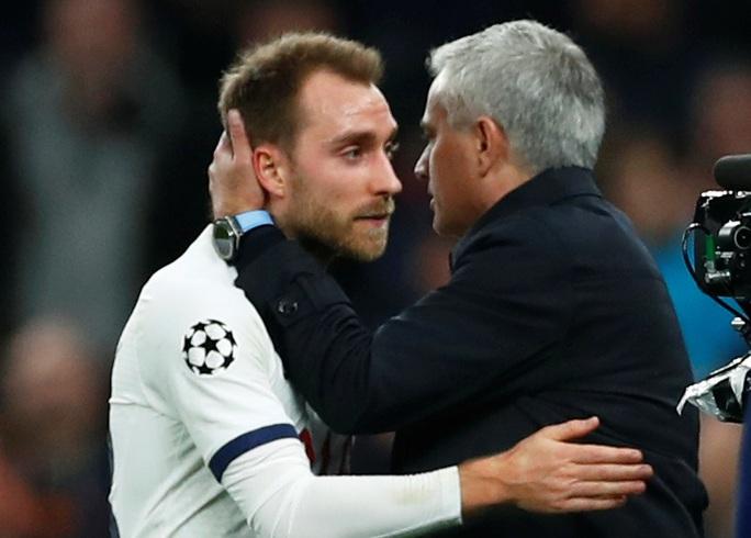 Tottenham bùng nổ với Mourinho, vượt vòng bảng Champions League  - Ảnh 10.