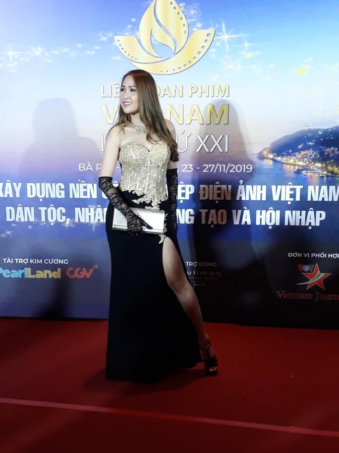 Lan Phương, Ngọc Ánh, Thanh Thuý đọ sắc trên thảm đỏ liên hoan phim - Ảnh 5.