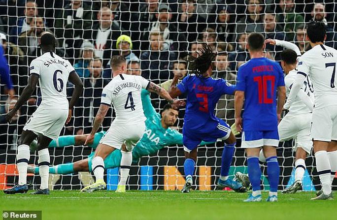 Tottenham bùng nổ với Mourinho, vượt vòng bảng Champions League  - Ảnh 4.