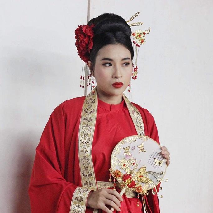NSND Hồng Vân thử nghiệm Ngẫm Kiều, Ốc Thanh Vân hóa Tú Bà - Ảnh 3.