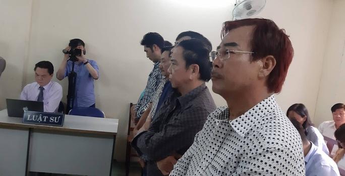 Clip: Trước tòa, nghệ sĩ hài Hồng Tơ nói về những tin nhắn rủ anh em gầy sòng - Ảnh 1.
