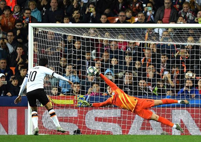 Thủ môn Kepa hóa người hùng, Chelsea hòa nghẹt thở ở Tây Ban Nha - Ảnh 6.