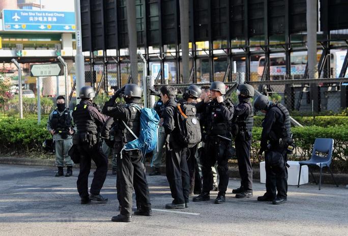 Trung Quốc dọa đáp trả cứng rắn sau khi Mỹ thông qua luật Hồng Kông - Ảnh 1.
