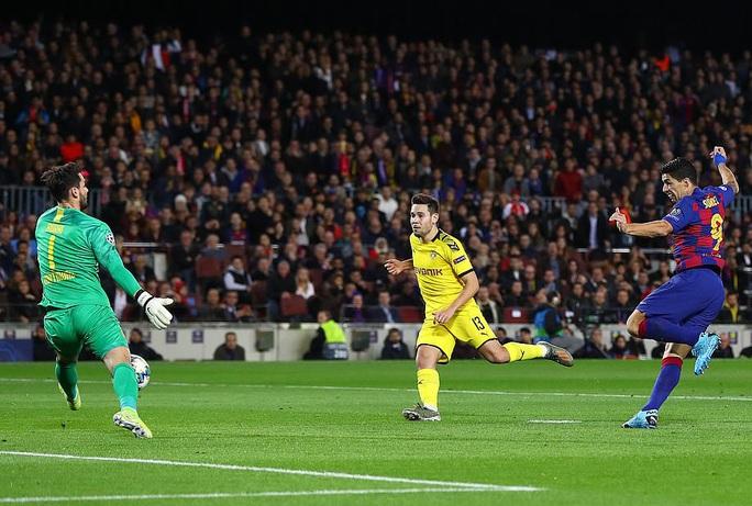Messi thăng hoa trận 700, Barcelona vượt vòng bảng Champions League - Ảnh 5.