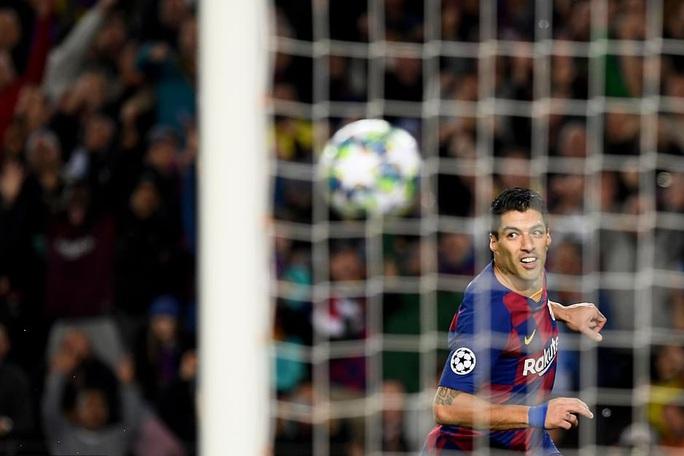Messi thăng hoa trận 700, Barcelona vượt vòng bảng Champions League - Ảnh 4.