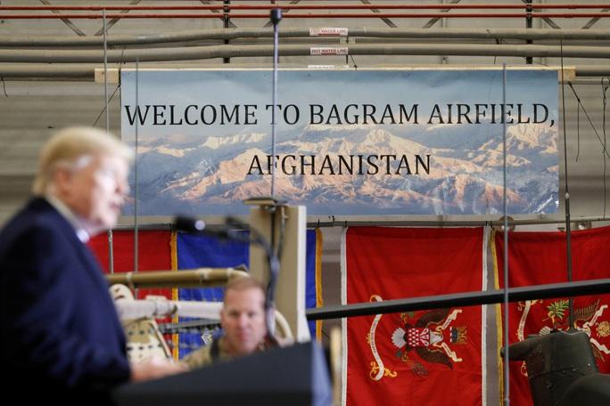 Ông Trump đến Afghanistan, có động thái bất ngờ về Taliban - Ảnh 4.