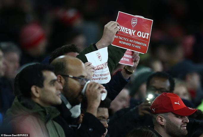 Arsenal chính thức sa thải HLV Emery, nổ bùng khủng hoảng - Ảnh 2.
