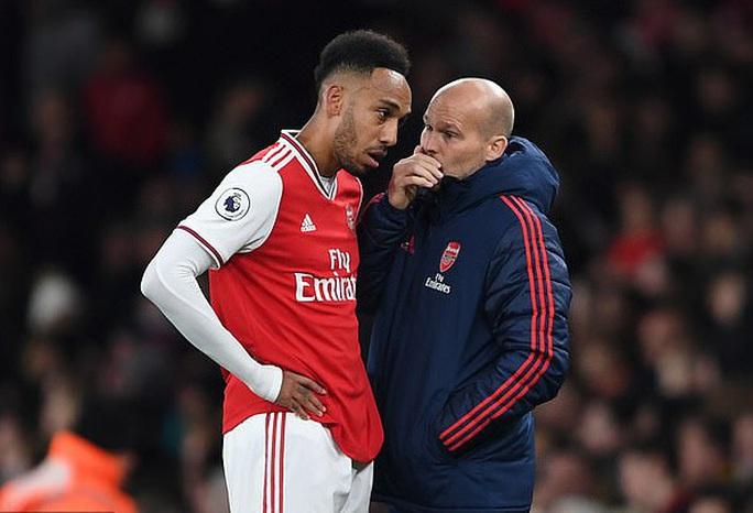 Arsenal chính thức sa thải HLV Emery, nổ bùng khủng hoảng - Ảnh 4.