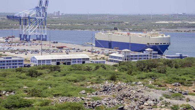 Sri Lanka đòi hủy hợp đồng thuê cảng của Trung Quốc là chuyện không tưởng - Ảnh 1.