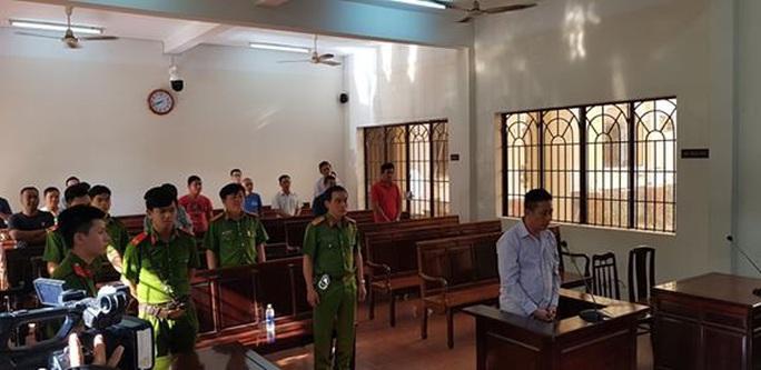 Phiên tòa xử cựu CSGT Đồng Nai lạnh lùng bắn chết người kết thúc nhanh chóng - Ảnh 3.