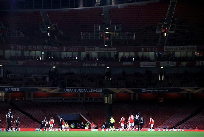 Arsenal thất bại ở Europa League, Unai Emery bị yêu cầu từ chức - Ảnh 2.