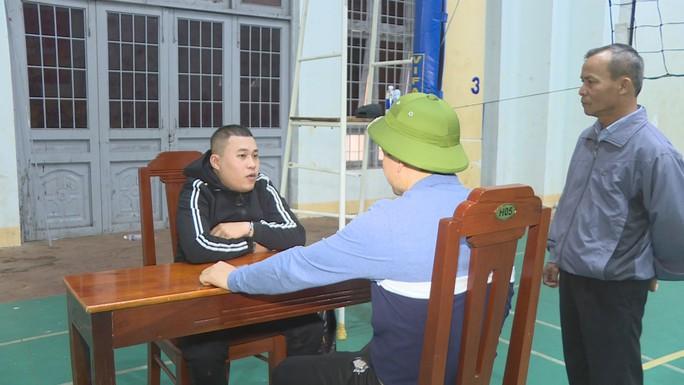 Giám đốc công an dẫn quân ập vào 3 quán, phát hiện gần 90 thanh niên phê ma túy - Ảnh 7.