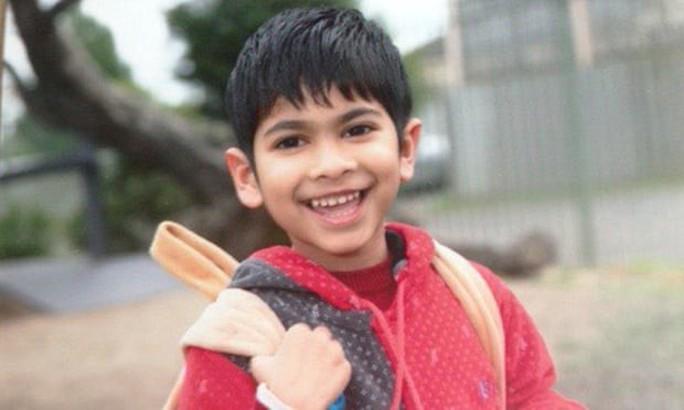 Cậu bé 5 tuổi  bị trục xuất khỏi Úc vì khuyết tật nhẹ - Ảnh 1.