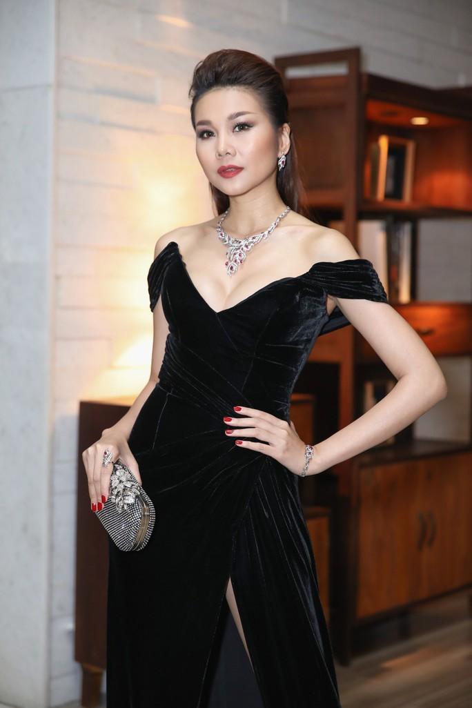 Thanh Hằng không hổ danh Biểu tượng thời trang Việt - Ảnh 4.
