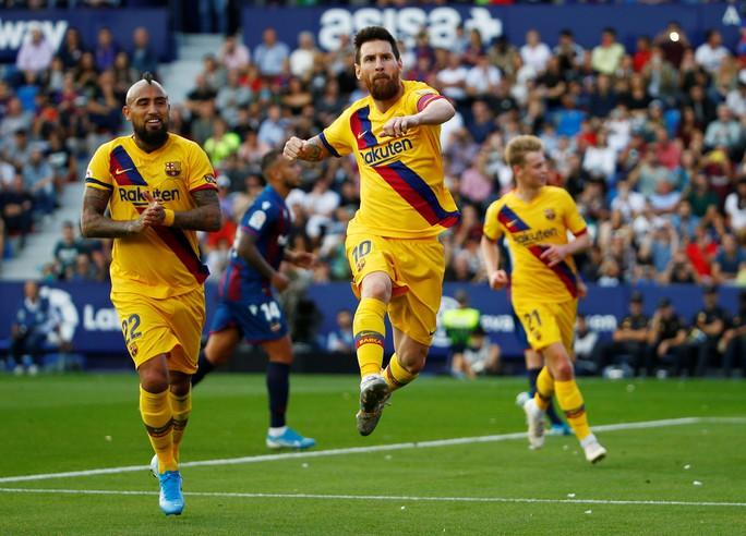 Levante tạo địa chấn, Barcelona may mắn không mất ngôi La Liga - Ảnh 3.