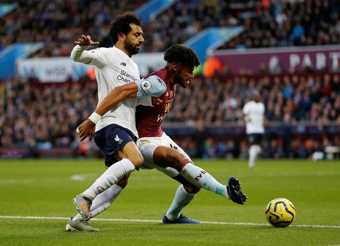 Ngược dòng siêu hạng, Liverpool hạ Aston Villa, giữ ngôi đầu phút 90+4 - Ảnh 2.