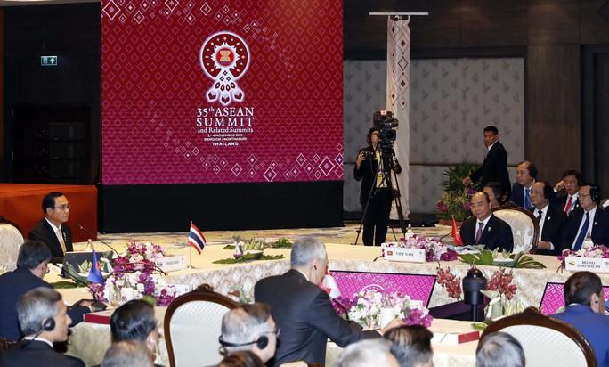 Thủ tướng nêu những vụ việc nghiêm trọng vi phạm luật pháp quốc tế xảy ra trên vùng biển Việt Nam - Ảnh 1.