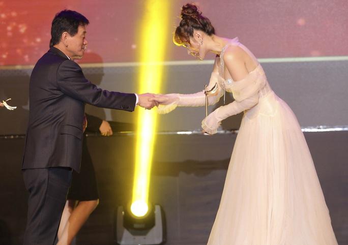 Minh Hằng nhận giải Mai Vàng của Hàn Quốc - Ảnh 2.