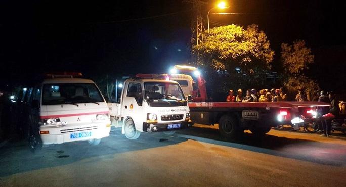 Phú Yên: Tai nạn thảm khốc, 4 người chết - Ảnh 2.