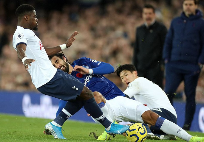 Son Heung-min đốn gãy chân đối thủ, Tottenham tiếp tục sa lầy - Ảnh 1.