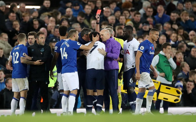 Son Heung-min đốn gãy chân đối thủ, Tottenham tiếp tục sa lầy - Ảnh 2.