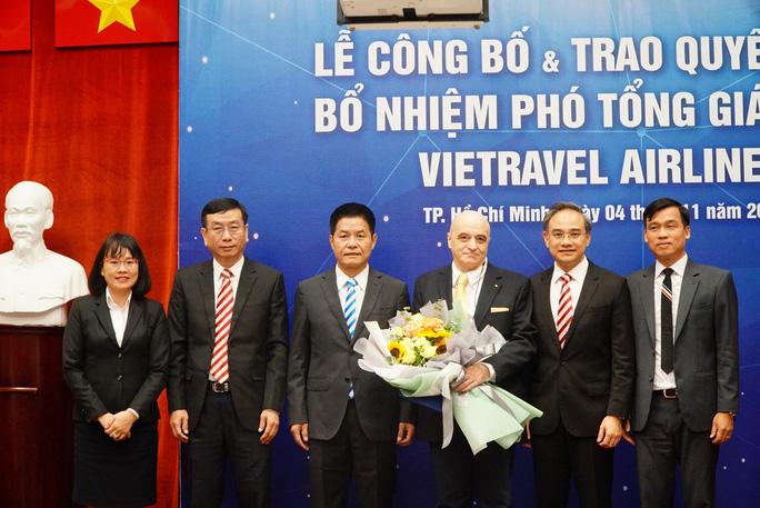 Vietravel Airlines bổ nhiệm phi công người Ý làm Phó Tổng Giám đốc - Ảnh 1.