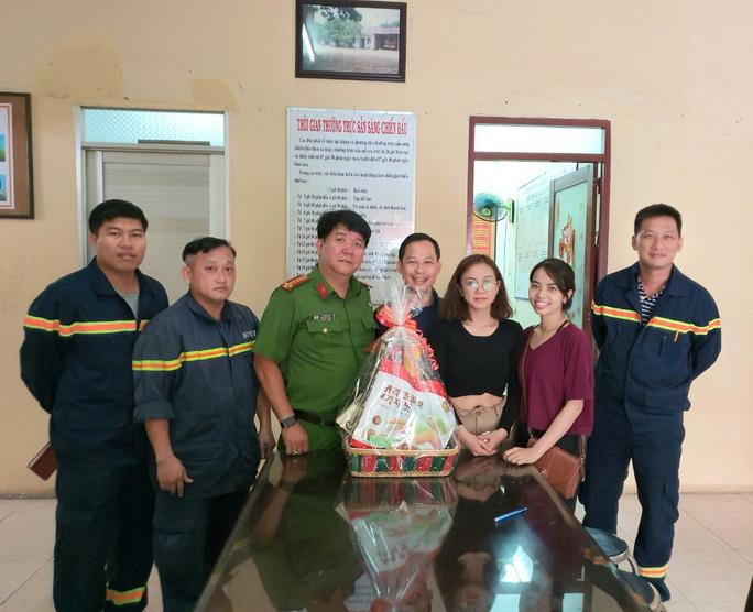 Người dân được cứu trong vụ cháy tri ân cảnh sát PCCC-CNCH  - Ảnh 1.