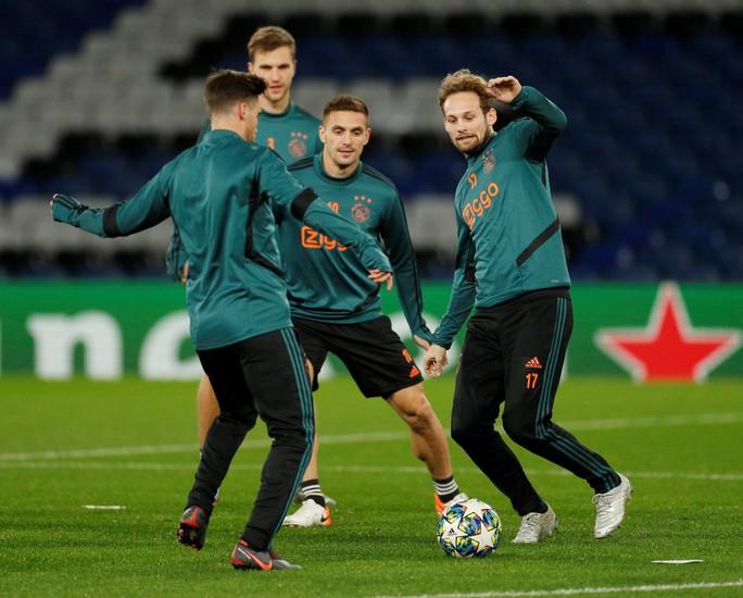Chelsea, Ajax đá chung kết sớm ở Stamford Bridge - Ảnh 6.