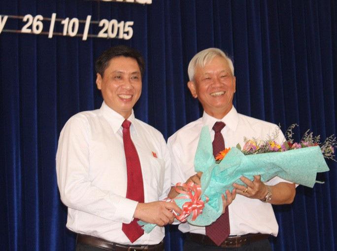 Chủ tịch và nguyên Chủ tịch Khánh Hòa bị Ban Bí thư cách tất cả các chức vụ Đảng - Ảnh 1.