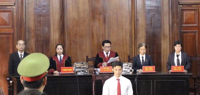 Thẩm phán xin nghỉ việc vì quá tải - Ảnh 1.