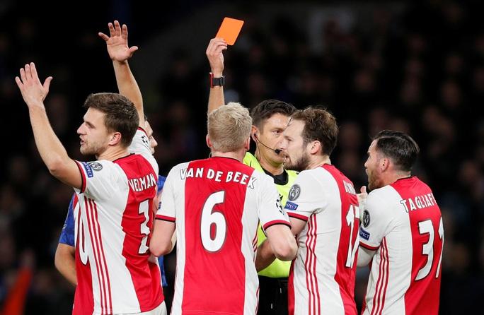 Trọng tài xuống tay 2 thẻ đỏ, Chelsea cầm hòa Ajax 8 bàn thắng - Ảnh 4.