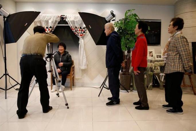"""Hàn Quốc: Hàng chục ngàn người muốn """"chết trong 10 phút"""" - Ảnh 2."""