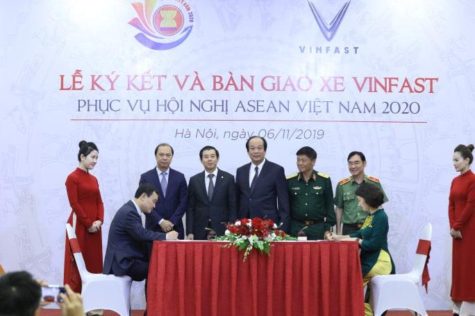 Lần đầu tiên tổ chức hội nghị lớn, Việt Nam chỉ sử dụng xe VinFast - Ảnh 2.