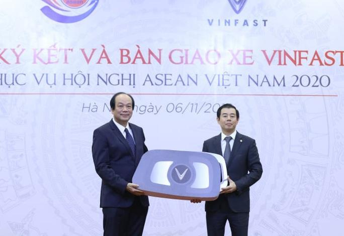 Lần đầu tiên tổ chức hội nghị lớn, Việt Nam chỉ sử dụng xe VinFast - Ảnh 1.